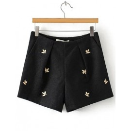 Smart Basic Embroidery Shorts in Slanted Pockets Size:S-L