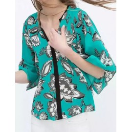 Stylish Flower Print Butterfly Sleeve Top in Split Neck Size:S-L