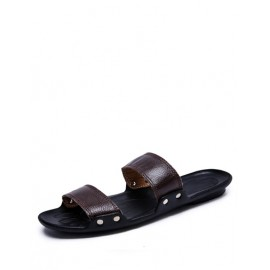 Styling Open Toe Beach Slippers with Studs