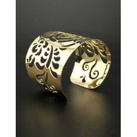 Fashionable Rose Cutwork Polished Cuff Bracelet in Gold