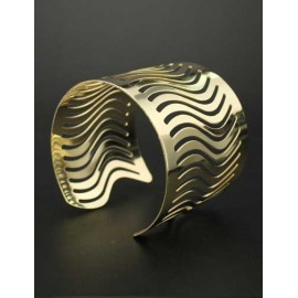 Modern Wave Cutwork Metallic Cuff Bracelet in Gold