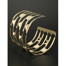 Punk Studs Detail Cutwork Trim Metallic Bracelet in Gold